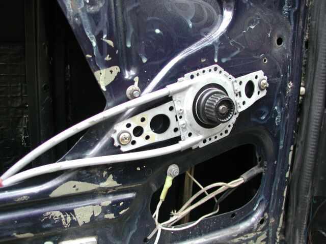 Установка универсальных электростеклоподъёмников SPAL DELUXE в ВАЗ Классику 04 - 07.  Привод на двери - Lada Cars...